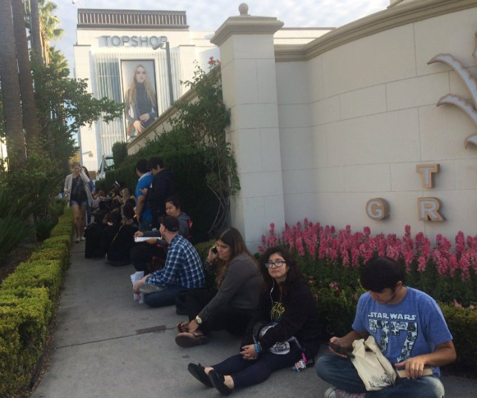 The line was so very painfully long even by 7:00a. I overheard a guard at The Grove saying there were around 400 people already by 9:00 a.m. Crazy!